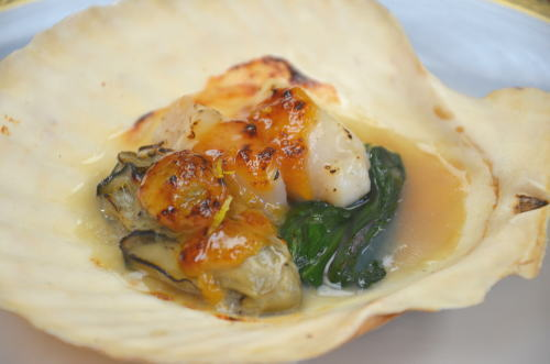会席料理サンプル 牡蠣と帆立のゆず味噌焼き